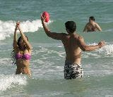 1883_01201_Jessica_Alba_playing_football_on_the_ocean_with_some_friends_Jan__01_002_123_540lo.jpg