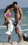 3063_01254_Jessica_Alba_playing_football_on_the_ocean_with_some_friends_Jan__01_024_123_943lo.jpg