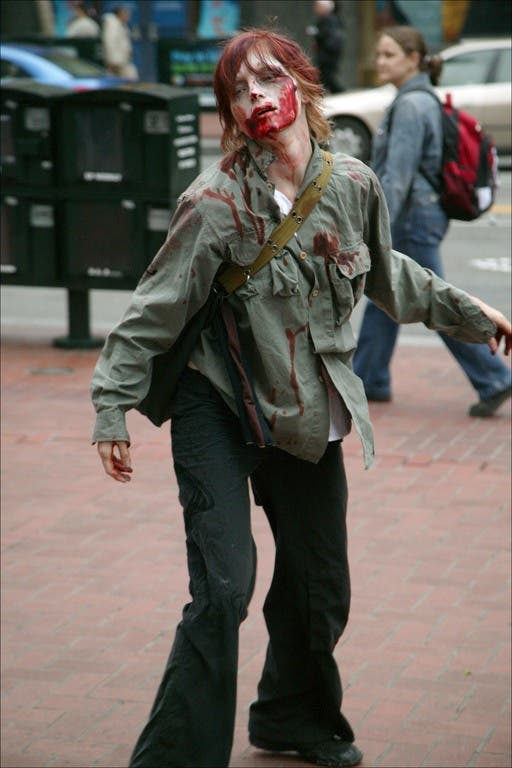 008 flash mob 86 Un flash mob de zombies San Francisco, attention ils mordent !