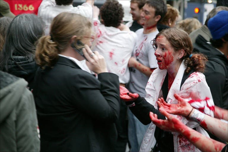 011 flash mob 92 Un flash mob de zombies San Francisco, attention ils mordent !