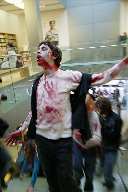 028 flash mob 84 Un flash mob de zombies San Francisco, attention ils mordent !
