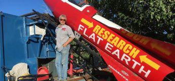 Cet homme veut prouver que la Terre est plate à l'aide d'une fusée artisanale