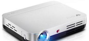 Créez votre home cinéma avec le WOWOTO H8, un vidéoprojecteur avec une résolution