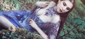 Une créatrice bulgare conçoit des bijoux gothiques magnifiques et des coiffures exceptionnelles
