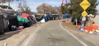 Une vidéo qui dévoile l'étendu des campements de SDF en Californie