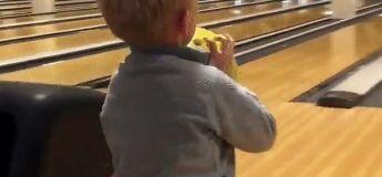 Ce gamin va vous dégouter du bowling