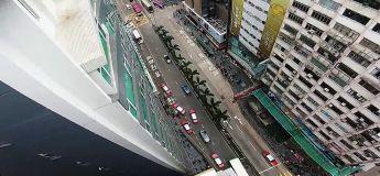 Ils échappent à la police par les toits des buildings de Hong Kong