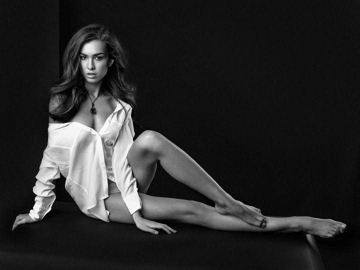 magnifiques photographies de femmes en noir et blanc de cet artiste talentueux. Black Bedroom Furniture Sets. Home Design Ideas