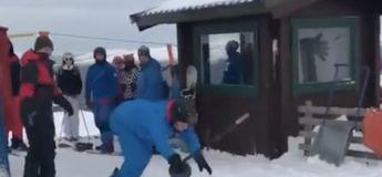 Ils font pour la première fois du snowboard et prennent le tire-fesses : séquence vidéo gag