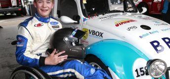 Amputé des deux jambes à 17 ans, il veut courir un jour en Formule 1