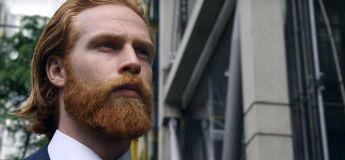 Cet homme qui a laissé pousser sa barbe de rouquin et qui est devenu un modèle GQ