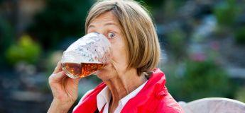 Selon une étude, l'alcool et le surpoids feraient vivre plus longtemps !