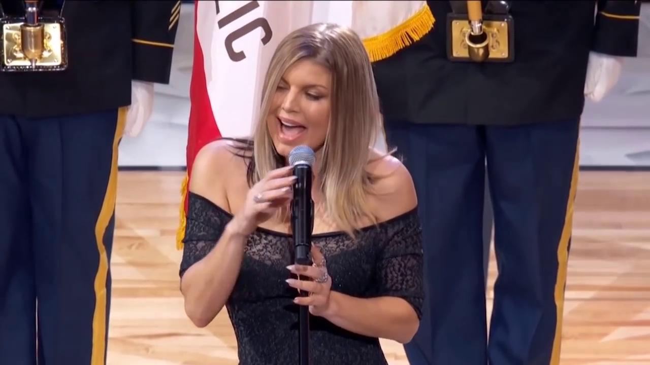 La prestation désastreuse de Fergie lors de l'hymne américain du match NBA du All Star Game