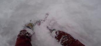 Sauvetage in extremis d'un snowboardeur après un petit saut, sans son ami il serait déjà au Paradis