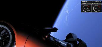 Décollage de la fusée SpaceX Falcon Heavy avec la première voiture en orbite autour de la Terre
