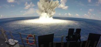 Une explosion sous marine filmée de très près !