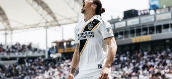 Le premier but de DINGUE de Zlatan Ibrahimovic en MLS