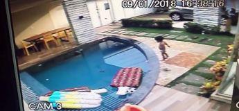 Un bébé non surveillé se noie dans la piscine mais il est sauvé par un enfant