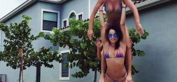 Un porté acrobatique spectaculaire avec 3 jeunes femmes en bikini