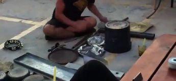 Cet artiste de rue a un succès fou avec son concert Electro à la batterie