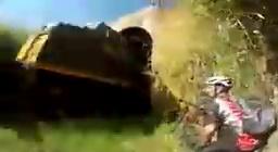 Conseil en VTT : évitez les tunnels ferroviaires car un train peut se pointer !