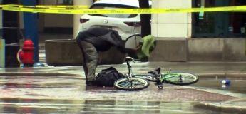 Fatigué d'attendre l'équipe de déminage, ce cycliste s'en occupe…
