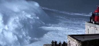 Rodrigo Koxa bat le record de la vague la plus haute jamais surfée à Nazaré (VIDEO)