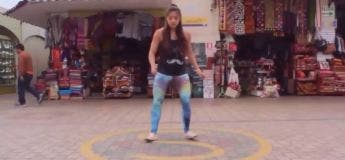 Elle réalise la danse Harba Shuffle durant son Tour du Monde