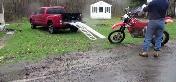Tuto Redneck : comment mettre sa motocross sur son pickup
