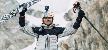 Le skieur Andrzej Bargiel dévale en ski intégralement le K2, deuxième plus haute montagne du monde
