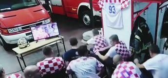 La sirène sonne et ces pompiers Croates ratent le dernier tir au but en Coupe du Monde