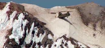 Sauvetage incroyable d'un Boeing CH-47 Chinook en montagne