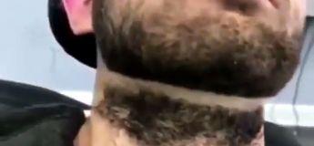 Il ne s'attend pas à souffrir autant lors de son rasage de barbe