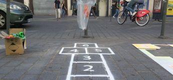 La ville de Lille met en place des marelles sur le sol pour mener vers les poubelles