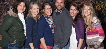 Aux États-Unis, un homme et ses cinq femmes vivent heureux (photos)