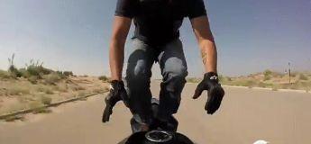 Une cascade moto qui va vous faire sourire
