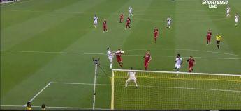 Zlatan Ibrahimovic marque son 500e but avec un High-Kick retourné 180°, du pur Zlatan !