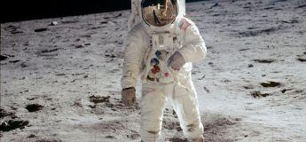 Les bottes de Neil Armstrong prouvent que l'homme n'a pas marché sur la Lune
