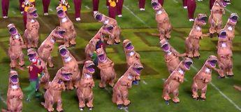 Avec le thème Jurassic Park, le show délirant des dinosaures à la mi-temps de ce match