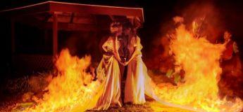 Ces jeunes femmes mettent le feu à leurs robes pendant leur mariage