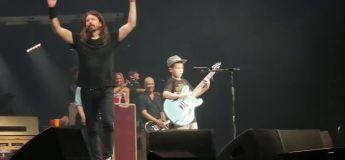 Dave Grohl des Foo Fighters invite un garçon de 10 ans sur scène et il veut jouer du… Metallica