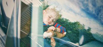Babysitters : Ne prenez pas les enfants endormis, selon les conseils d'une pro
