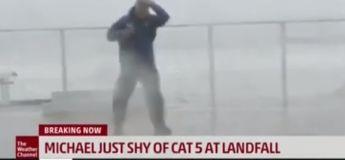 Un présentateur de météo a frôlé la mort lors d'une retransmission directe de l'ouragan Michael