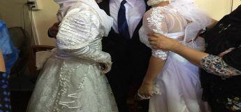 Un mariage à trois : un homme échange de vœux avec deux femmes