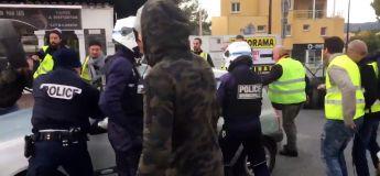 Dérapage : un automobiliste force un barrage des gilets jaunes et se fait arrêter par la police