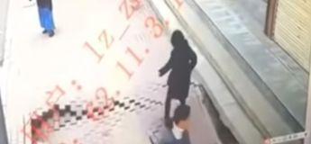 Un gouffre géant s'ouvre au milieu des rues chinoises et avale une femme !