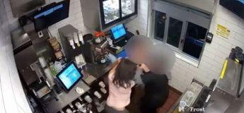 Elle serre la gorge de la gérante du McDonald qui ne lui a pas donné plus de ketchup