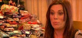 Une mère de famille critiquée pour avoir acheté des centaines de cadeaux de Noël à ses enfants chaque année
