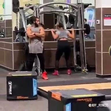 Quand tu vas à la salle de sport avec ta femme