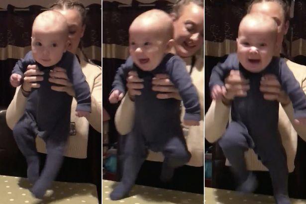 Cet adorable bébé fait sensation avec sa dance irlandaise !